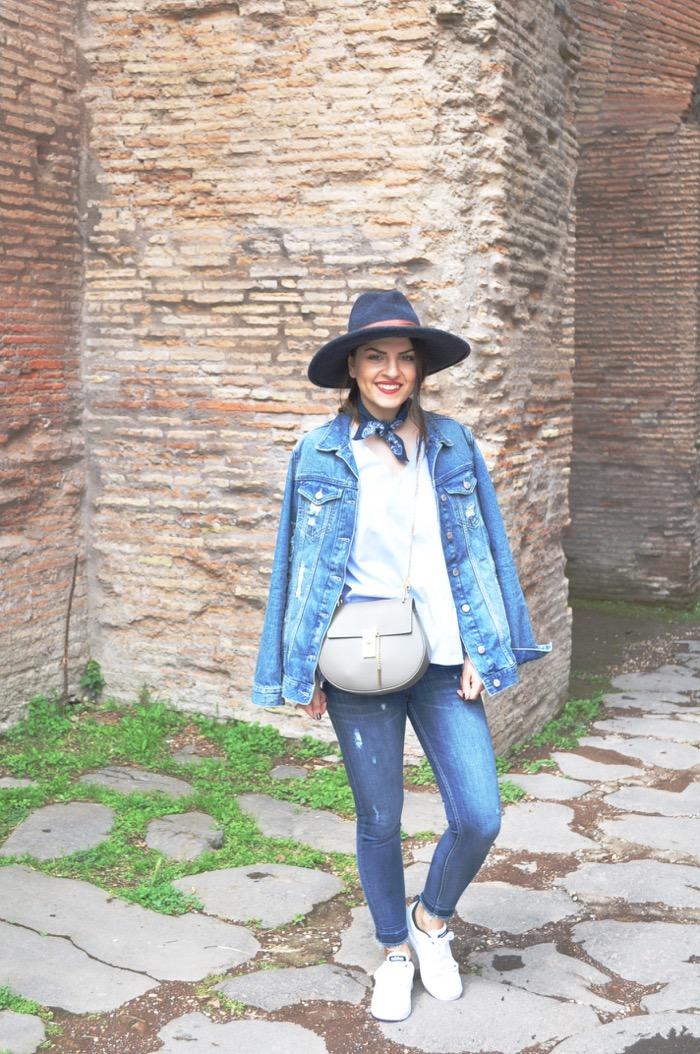 5cb95e54225 (English Below) Seit Sonntag bin ich wieder zurück im Lande und heute gibt  es endlich das erste Outfit aus Rom. Für den ersten Tag stand das  Kolosseum