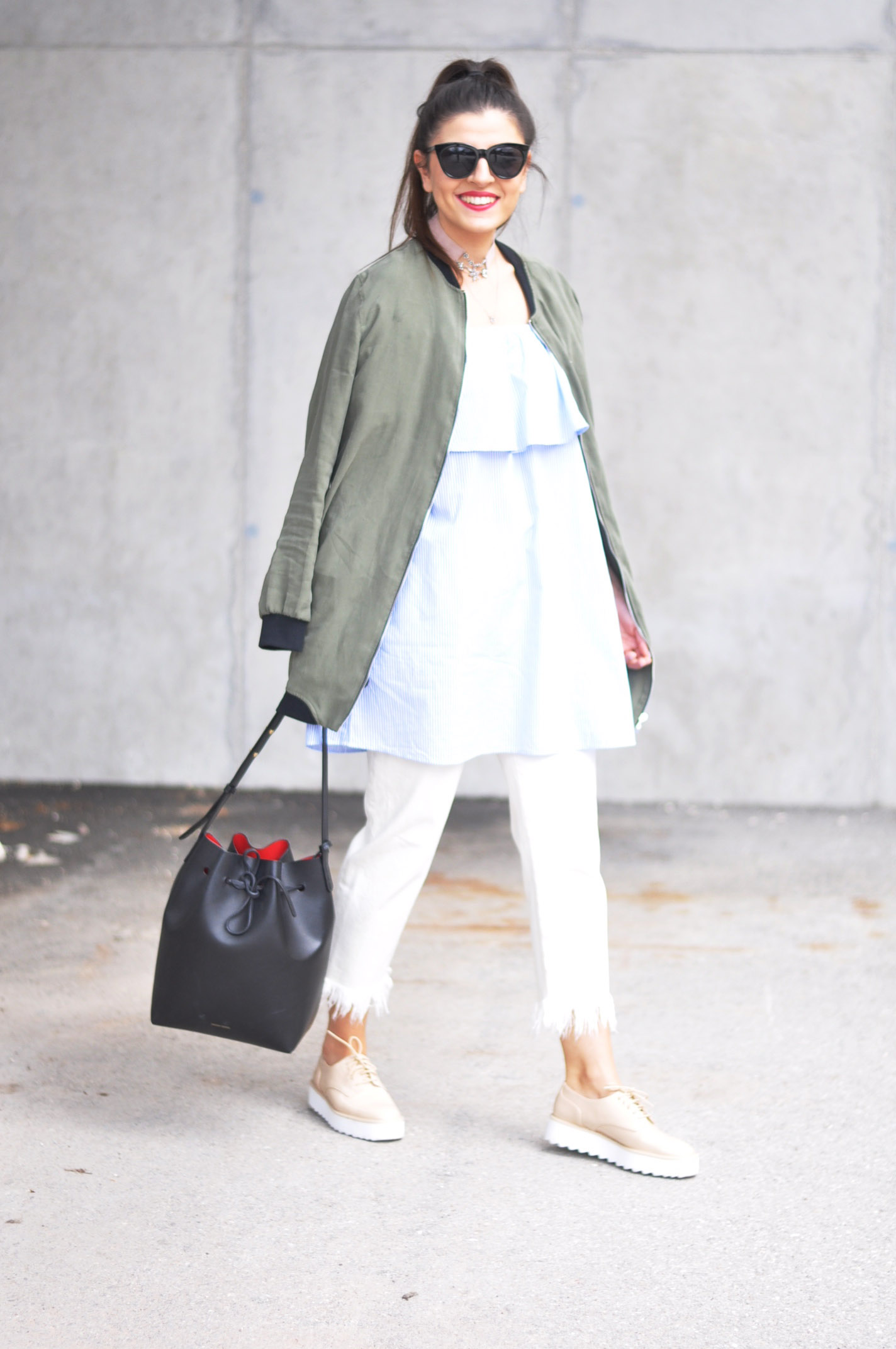 fashionnes-khaki-bomberjacket-off-shoulder