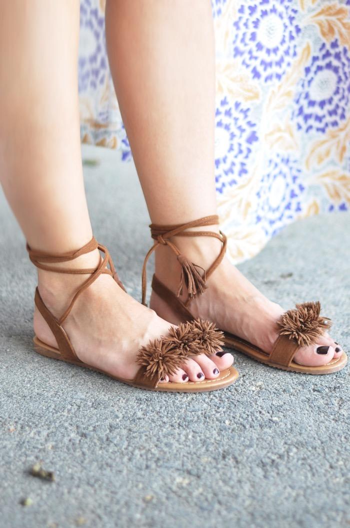 Fashionnes_PomPom_Sandals