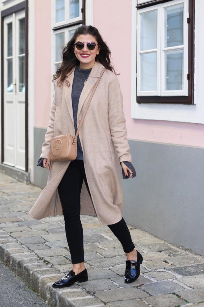 black-skinny-jeans-camel-coat
