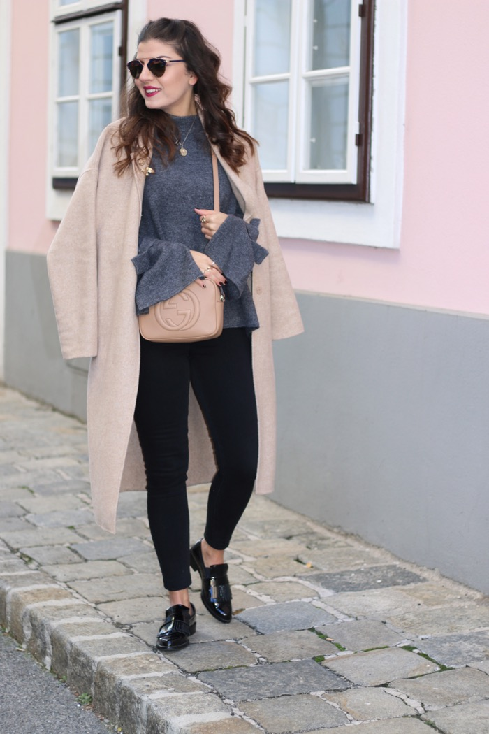 grey-cozy-sweater-gucci-disco-soho-fashionnes