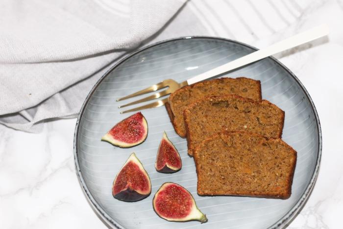pumpkin-spice-cake-figs-fashionnes