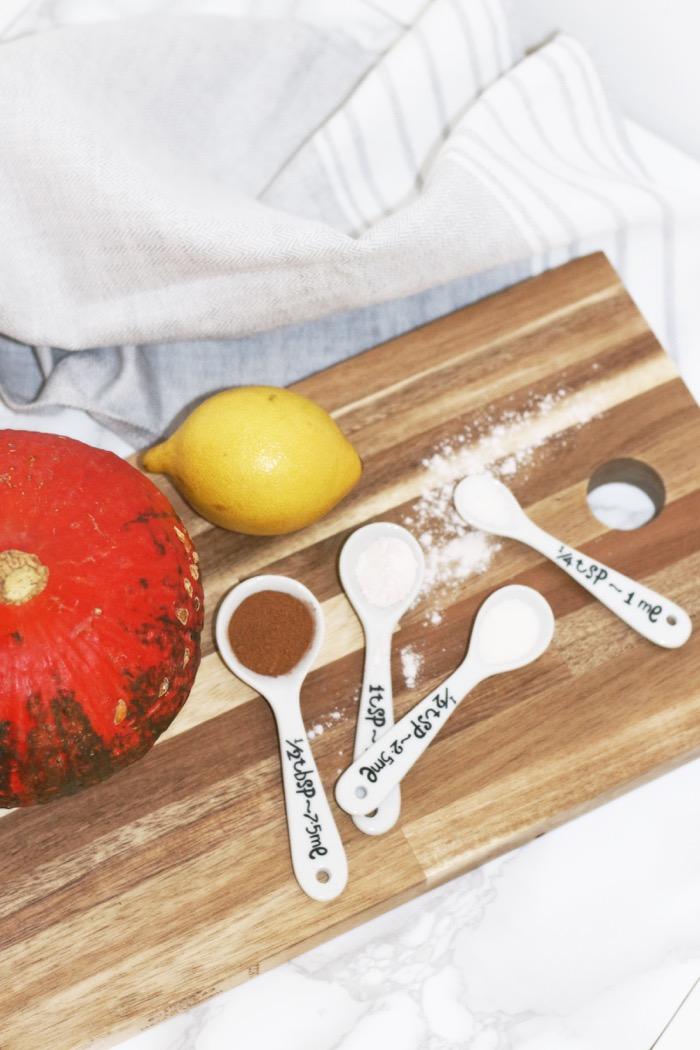 pumpkin-spice-cake-ingredients-fashionnes