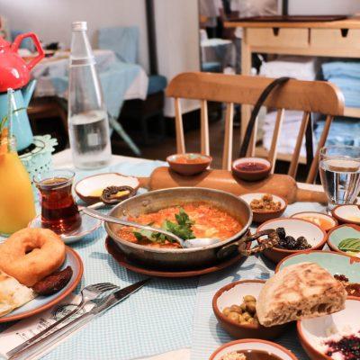 Istanbul Breakfast Spot: Bazlama Kahvalti Cesme