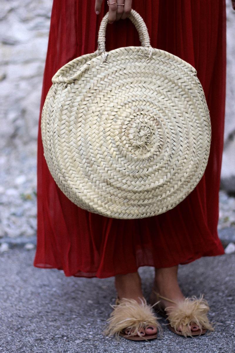 Rusty Pleated Maxi Dress Amp Round Straw Bag Fashionnes