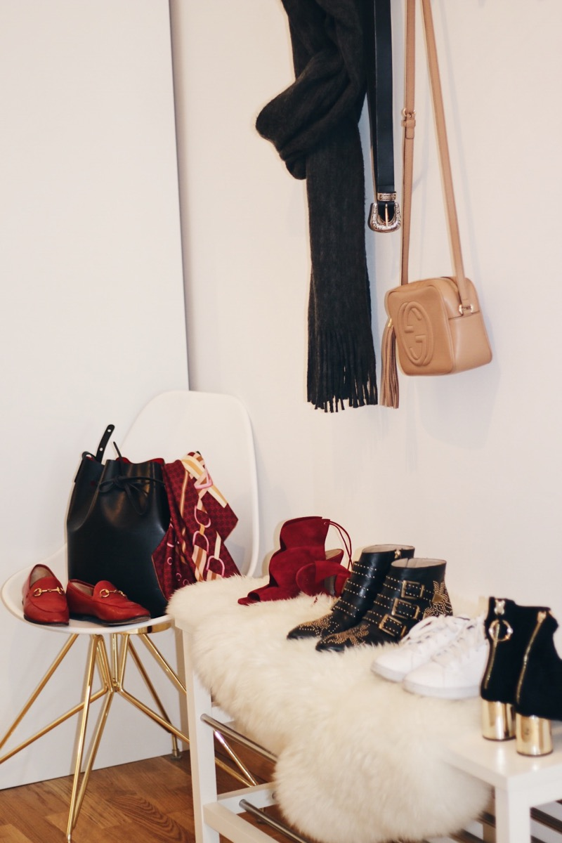 how to build up a fall wardrobe_crossbody bag