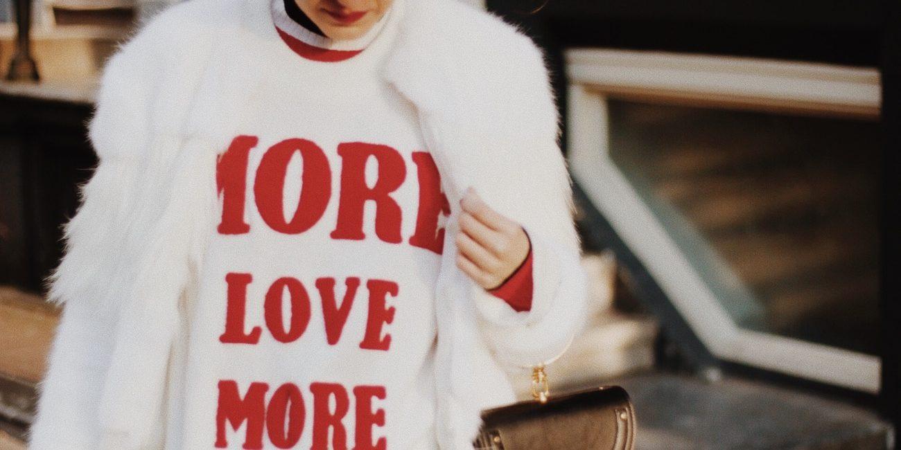 Amsterdam: White Faux Fur Jacket & Baker Boy Hat
